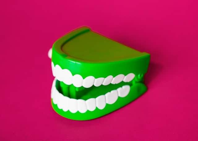 set of windup teeth