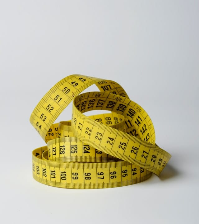 close-up-photo-of-yellow-tape-measure